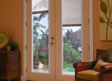 enclosed-blinds-severeweather
